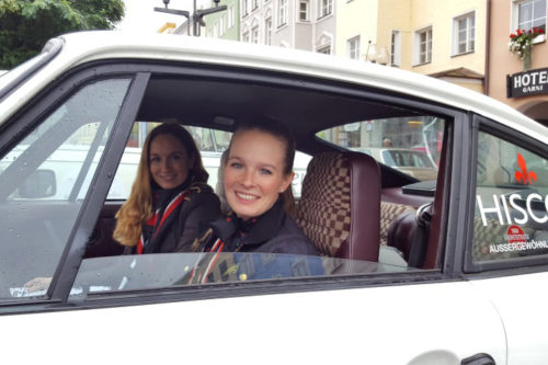 xecutive Rallye: Schock auf regennasser Straße