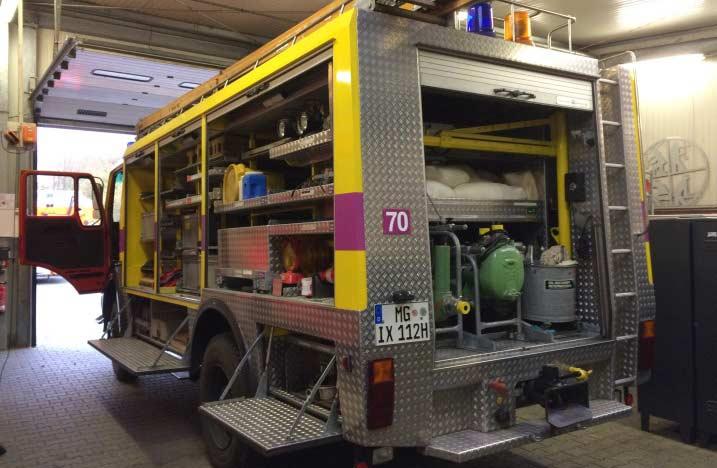 Ausrüstung des Oldtimer-Feuerwehrautos