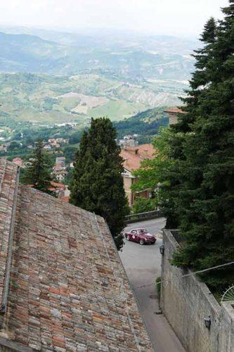 Mille Miglia: Durchfahrt in San Marino