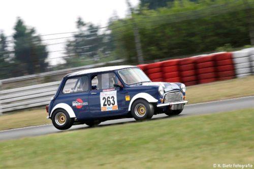 Klassicher Mini bei der Nürburgring Classic 2017