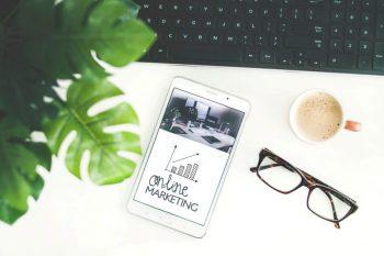 Schreibtisch von Online-Marketern