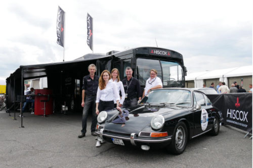 Nürburgring Classic: Hiscox Classic Cars Team am Renntransporter