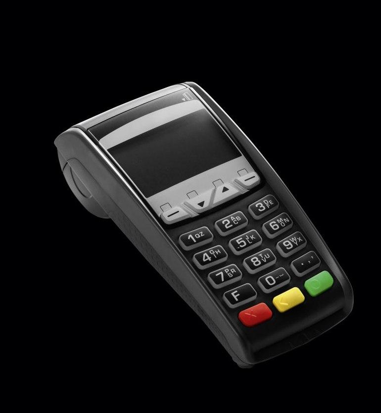 EC-Kartenlesegerät als Sinnbild für die Einzelhandelsversicherung für Ihr Geschäft