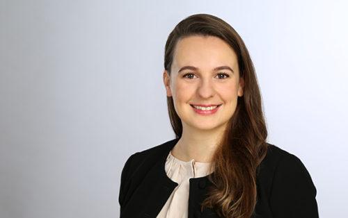 Alina Sucker-Kastl, Hiscox