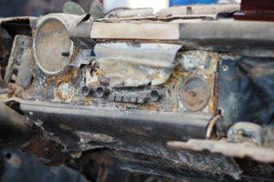 Zwischen den auf Hochglanz polierten Fahrzeugen ein besonderer Anblick: Eine Mercedes Pagode - das Wrack wurde nach über 30 Jahren aus dem Neckar geholt.